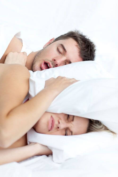 Treatment of snoring and sleep apnea with the Orthoapnea system at the Padrós dental clinic in Barcelona.