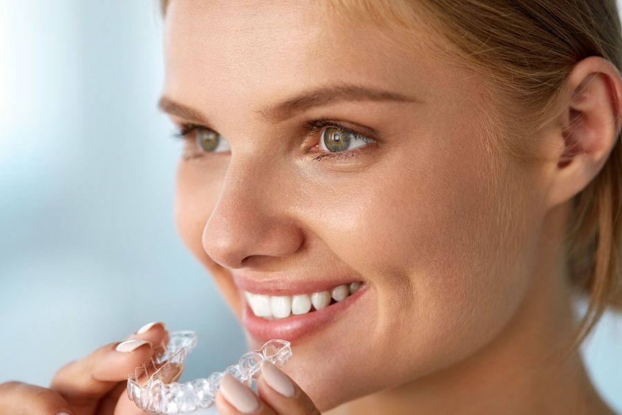 We have the Invisalign invisible orthodontic treatment at Padrós dental clinic, your dentist in Barcelona