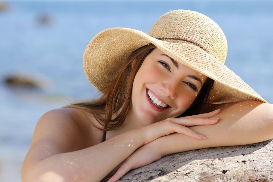 Aesthetic treatment of the gums, gingival smile or excess gum. Padrós Dental Clinic, dentist in Barcelona